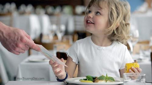 10 phép lịch sự tối thiểu bố mẹ cần dạy con từ nhỏ để đứa trẻ không trở thành người kém duyên trong tương lai
