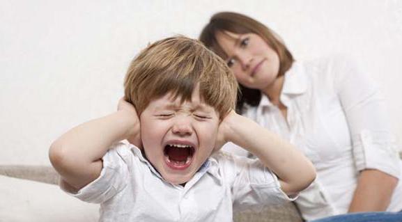 Con trẻ càng dạy càng hư vì 9 hành động này của bố mẹ